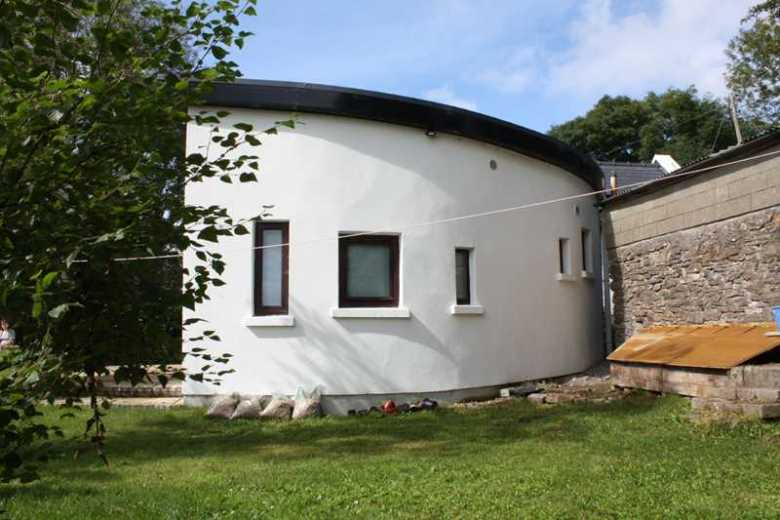 Curved walled extension to Traditional Mayo Cottage