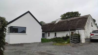 Extension to thatched cottage complete