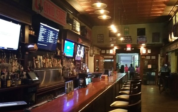 Yard of Ale is good option for late night drinking in downtown St. Pete