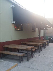 The patio at Garagiste Meadery in Tampa
