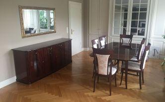 Die Abbildung zeigt einen Teil der nicht transportfähigen Möbel.