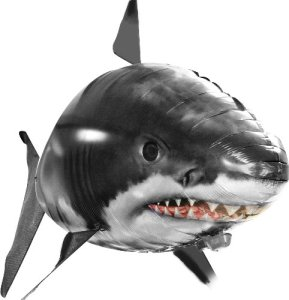 Fliegende Fische: Haifisch ferngesteuert