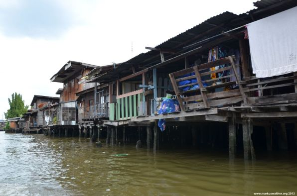 Bangkok Chao Phraya Hütten