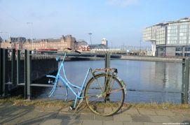 Blaues Einrad