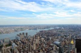 New York East River und Brooklyn Bridge