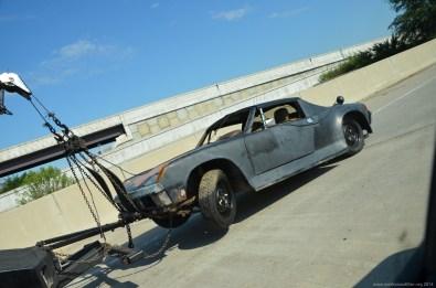 Ein alter Porsche 914 am Haken