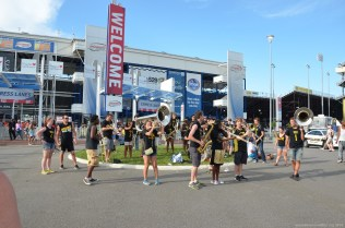 College-Orchester beim NASCAR Sprint Cup auf dem RIR