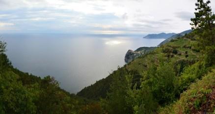 Panoramablick auf das Mittelmeer bei Riomaggiore