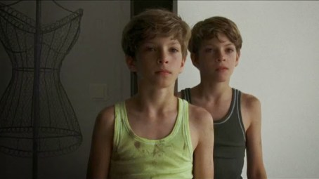 Elias et Lukas dans Goodnight Mommy, de Veronika Franz
