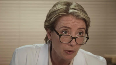 Emma Thompson en obstétricienne dans Bridget Jones's Baby
