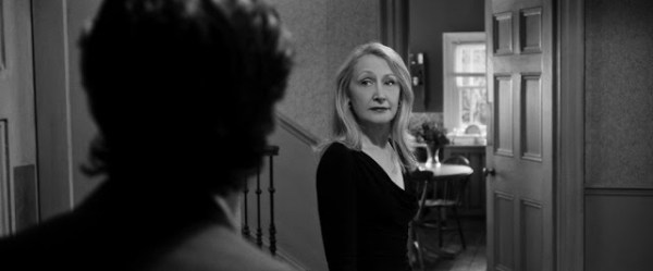 April (Patricia Clarkson) dans The Party