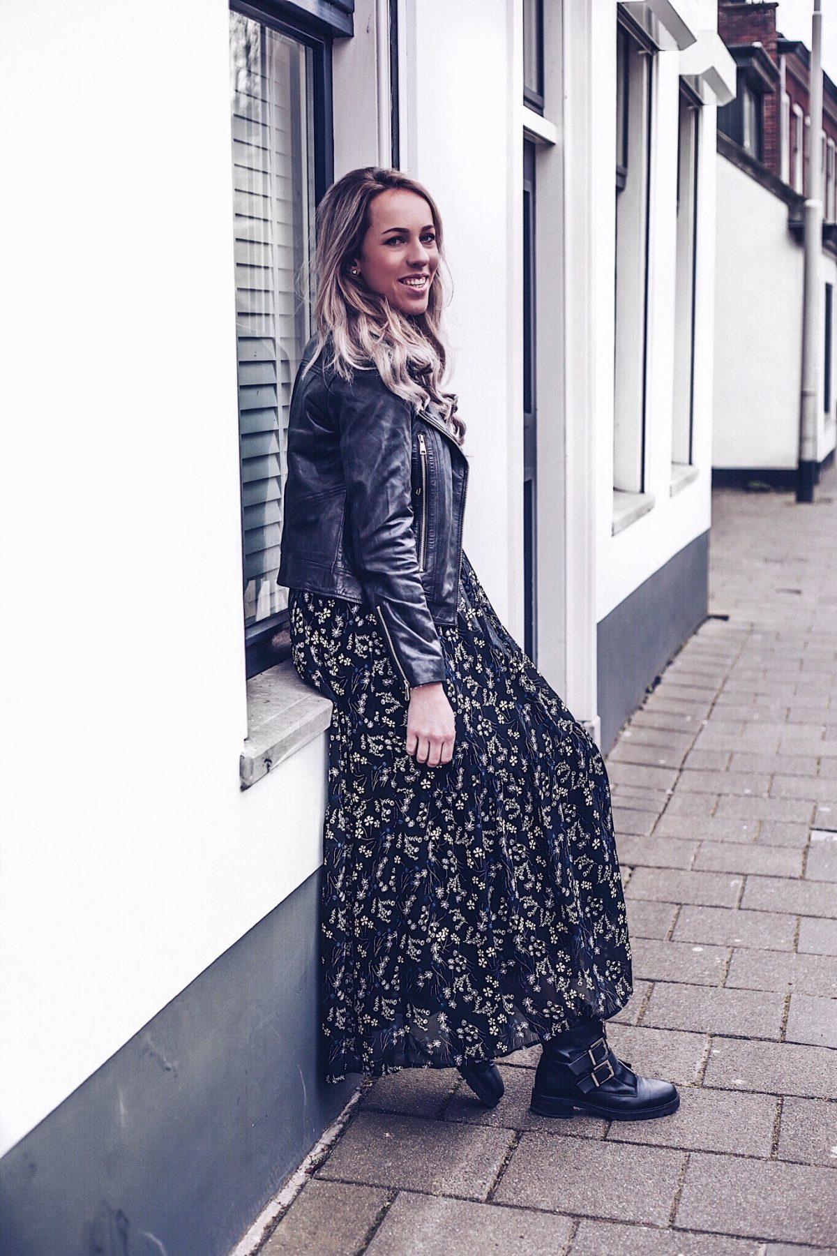 Outfit: gebloemde maxi jurk