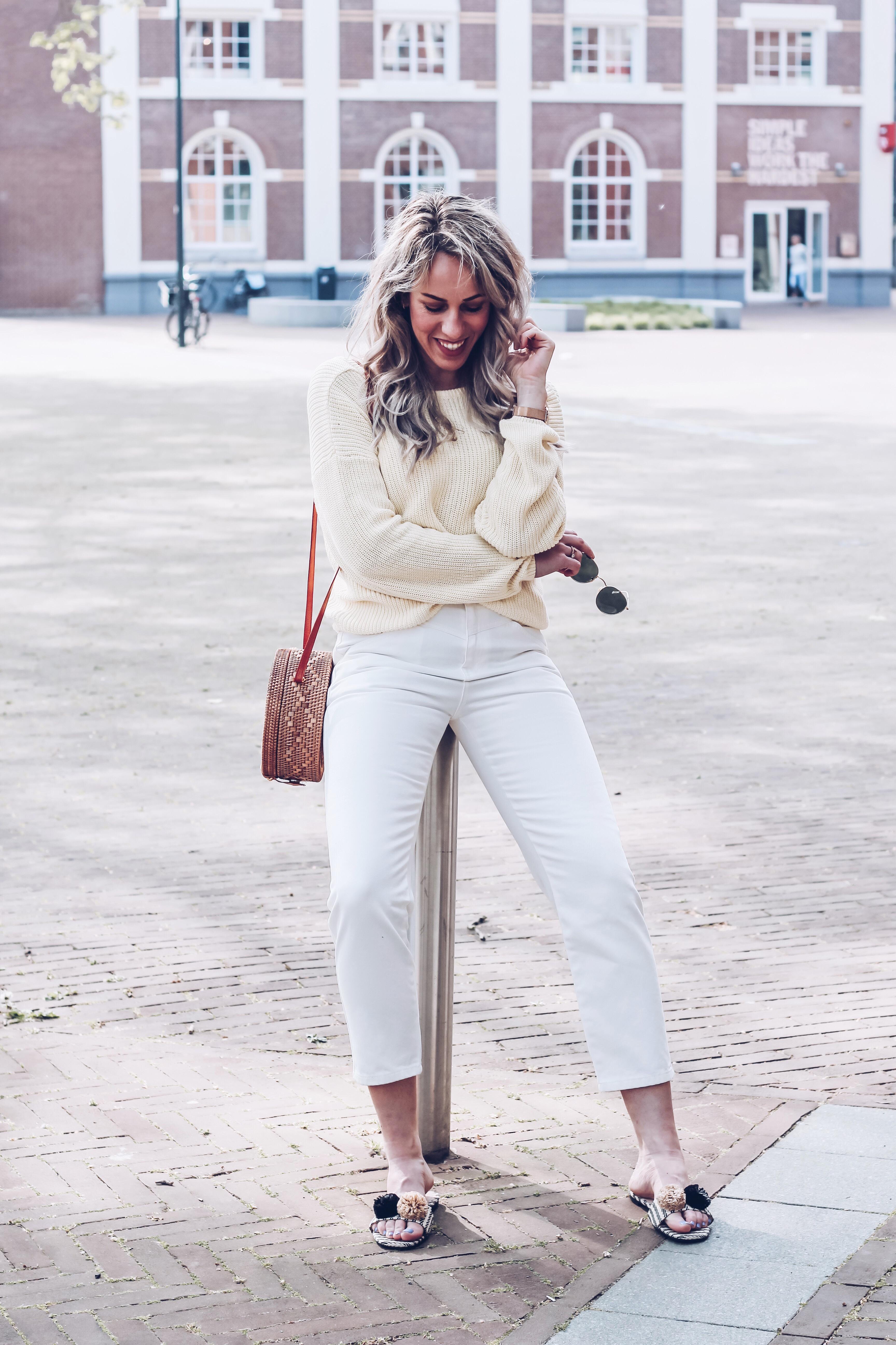 witte jeans combineren