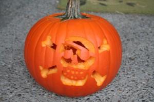 Skull & crossbones Halloween pumpkin