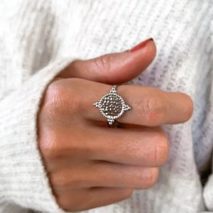 bague argent martele pretty wire 300x300 - Shop ma wishlist