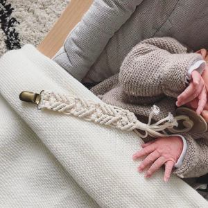 accroche tetine bebe macrame woolala studio etsy marmille 300x300 - Mes coups de cœur Etsy #StandWithSmall