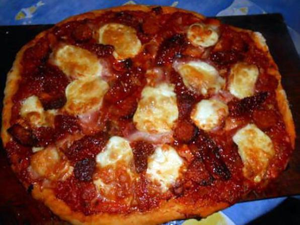 pizza au chorizo mozzarella