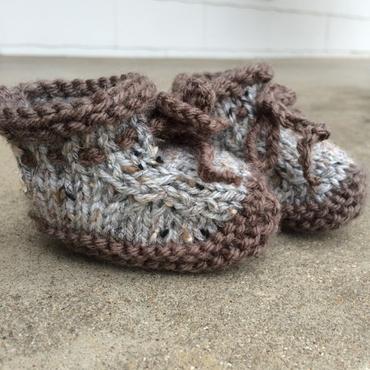 mbm knitted booties