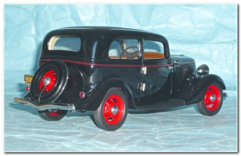 1933 Ford illustration 2 Franklin Mint from rear