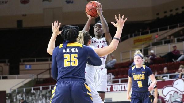 Solomon scores career-high, but women's basketball fall to ...