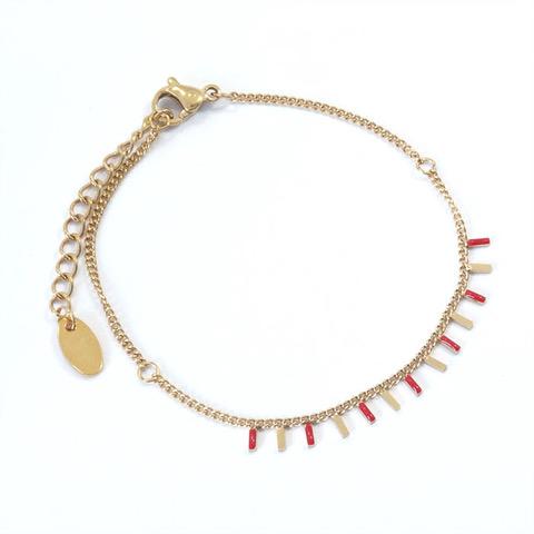 Bracelet rectangles rouges et dorés en acier inoxydable.