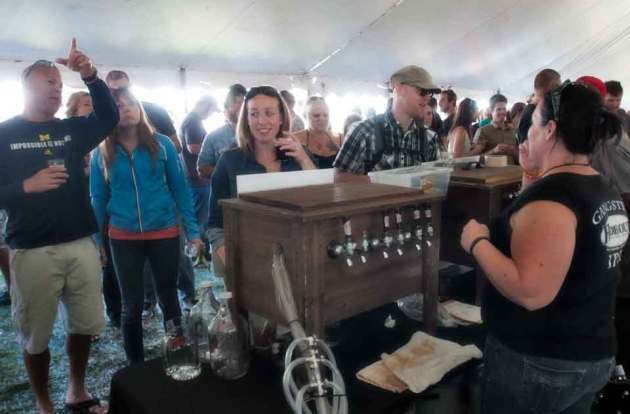 beer_on_tap_at_up_brew_fest_photo