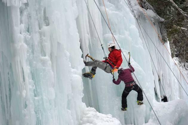 michigan-ice-festival-climbers-marquette-magazine-photo