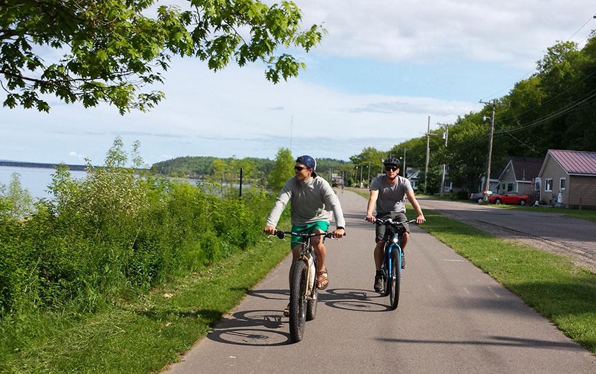 bike-touring-marquette-photo