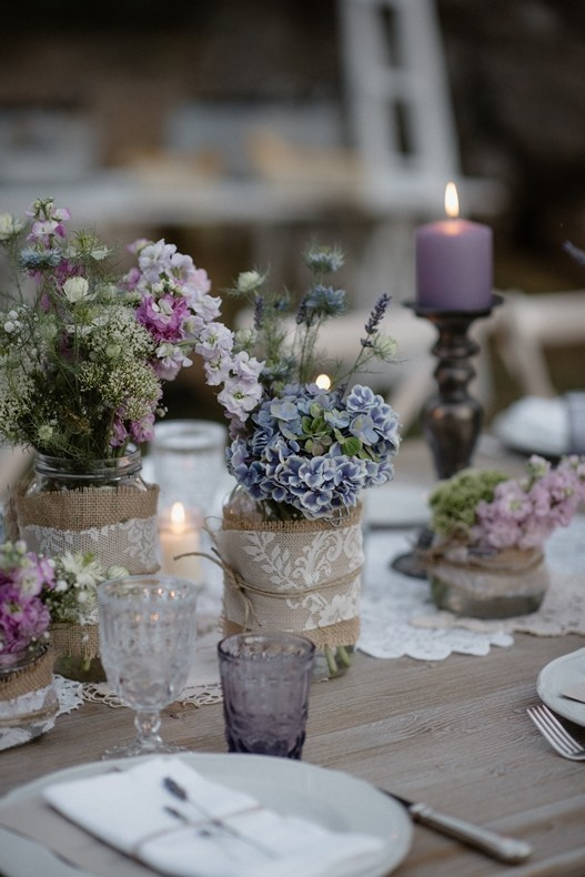 Provencal-style-floral-design-marriage-and-glamour