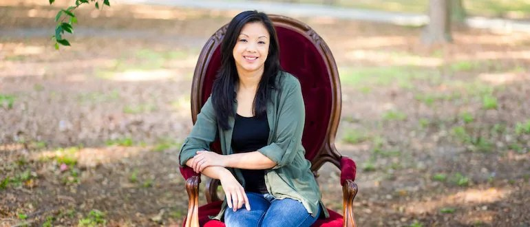 How This Mom Makes Over $100,000 Working Part-Time From Home – with Sarah Li Cain