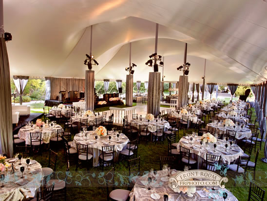 1 Elegant Relaxed Wedding Decor Wisconsin Milwaukee Minimalist