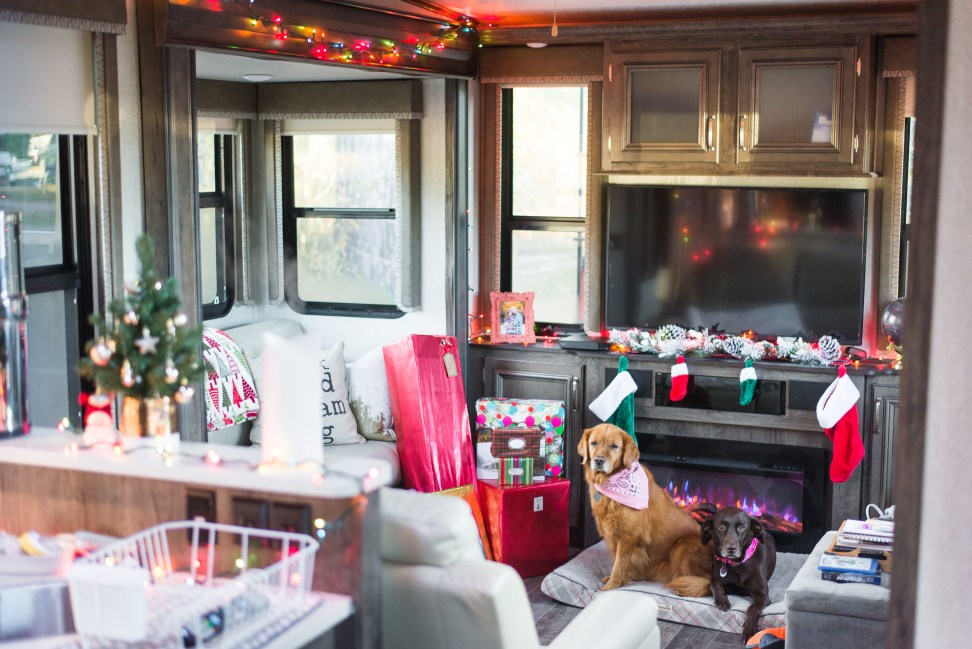 Christmas in a Camper | Full-Time RVer's First Christmas