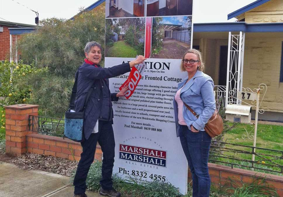 Pros and Cons of Selling Property with Auctions