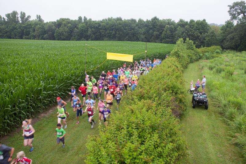 Grimes Farm Run, Crowd of Runners