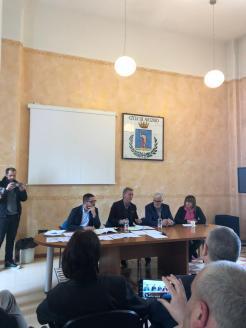 CONF. STAMPA RIDOLFI PIERLEONI SU MERCATO 26 APR. 2019 (4)
