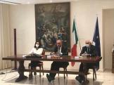 Il Prefetto Torraco con l'onorevole Legnini ed il Prefetto Valente- b