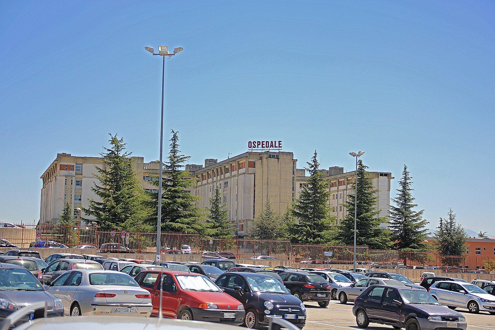 Risultati immagini per parcheggio ospedale di avezzano foto