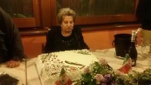 La Signora Italia prima del taglio della torta