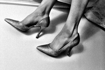 black-and-white-shoes-stiletto-3420-733x550