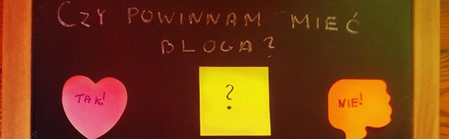 tablica karteczki motywacyjne kolorowe samoprzylepne trudne decyzja trudna decyzje