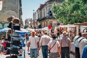 Trh na Plaza Dorrego v Buenos Aires – Buenos Aires, Argentina [Mart Eslem]