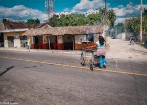 Pouliční gril v Pisté, Yucatán, Mexiko (Mart Eslem)