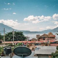 Výhled z hotelu Playa Linda, Lago de Atitlán, Panajachel, Guatemala (Mart Eslem)