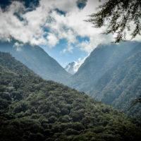 Pohled na vykukující vrcholek Pico Humbolt v Sierra Nevada ve Venezuele (Mart Eslem)