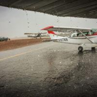 Hustý déšť na letišti v Národním parku Canaima (Mart Eslem)