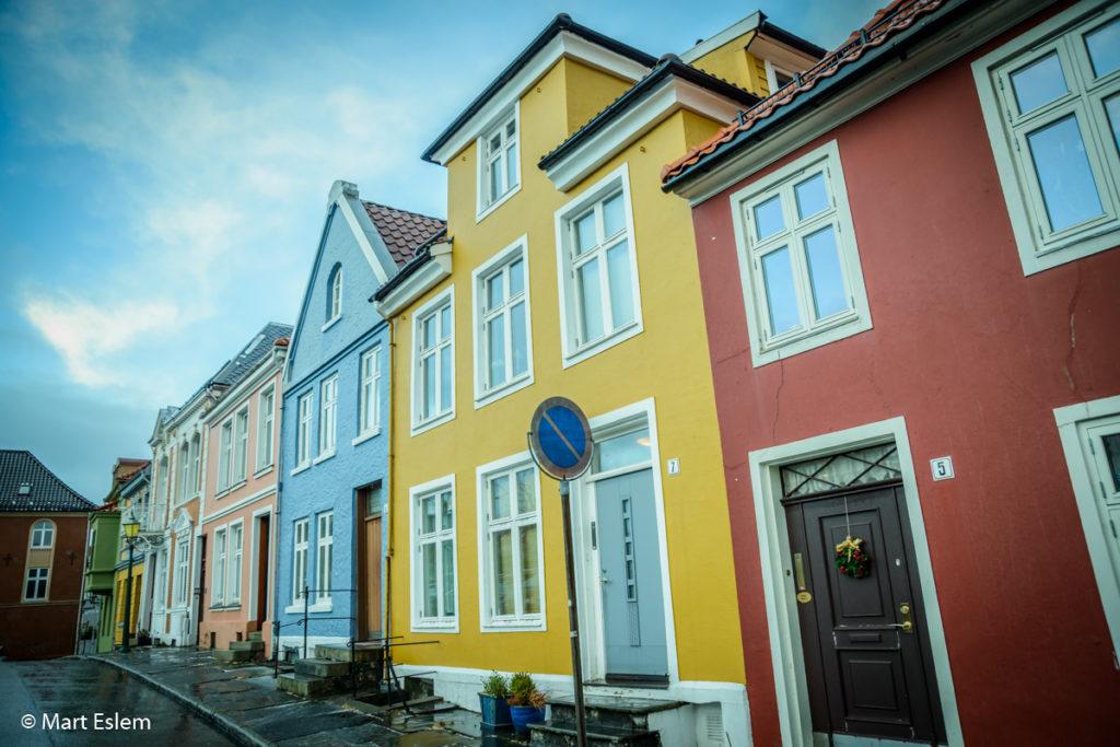 Bergen za slunečného počasí (Mart Eslem)