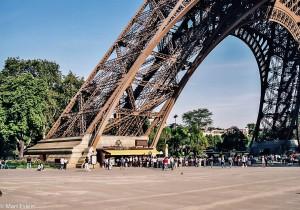 Nosný pilíř Eiffelky (Mart Eslem)