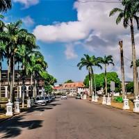 Silnice ohraničující Palmové náměstí (Mart Eslem)