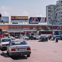 Mercedes je jedním ze symbolů Albánie (Mart Eslem)