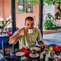Báječná snídaně v nádherném prostředí na ostrově Trinidad (Mart Eslem)